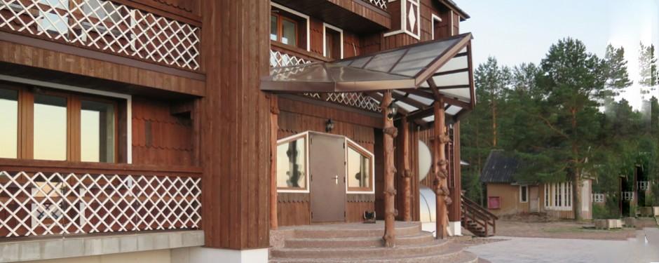 entrance-940x375